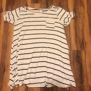 Dresses & Skirts - t shirt dress